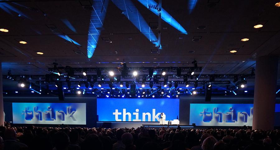 미국 샌프란시스코에서 열린 'IBM THINK 2019'의 '회장 기조연설' 프로그램에서 현대카드 정태영 부회장과 IBM 지니 회장이 대담을 나누고 있다.