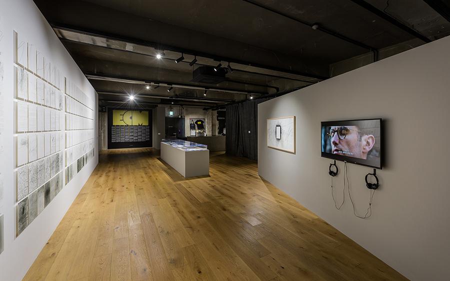 서울 이태원 현대카드 전시공간 '스토리지'에서 열리고 있는 〈RE : ECM〉 전(展).